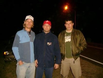 Milton Blumhagen, Mariano A. Peter y Marcelo Bonnin en Villaguay a la madrugada