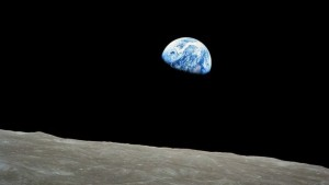 _92397080_nasa-apollo8-dec24-earthrise